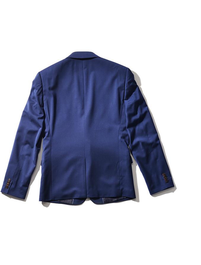 Stap 1: Leg je blazer met de voorzijde plat op tafel