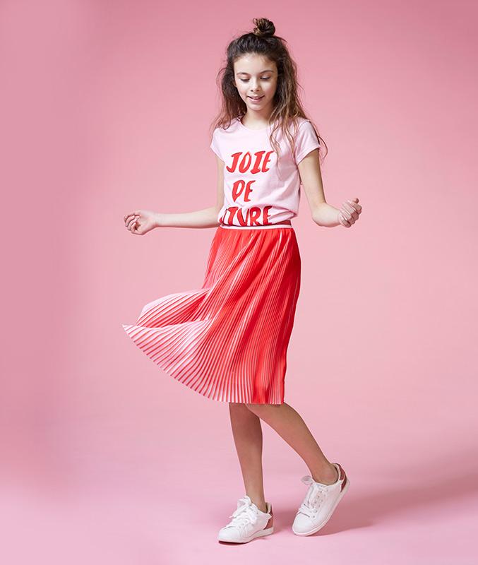 Jupe plissée rouge et rose pâle