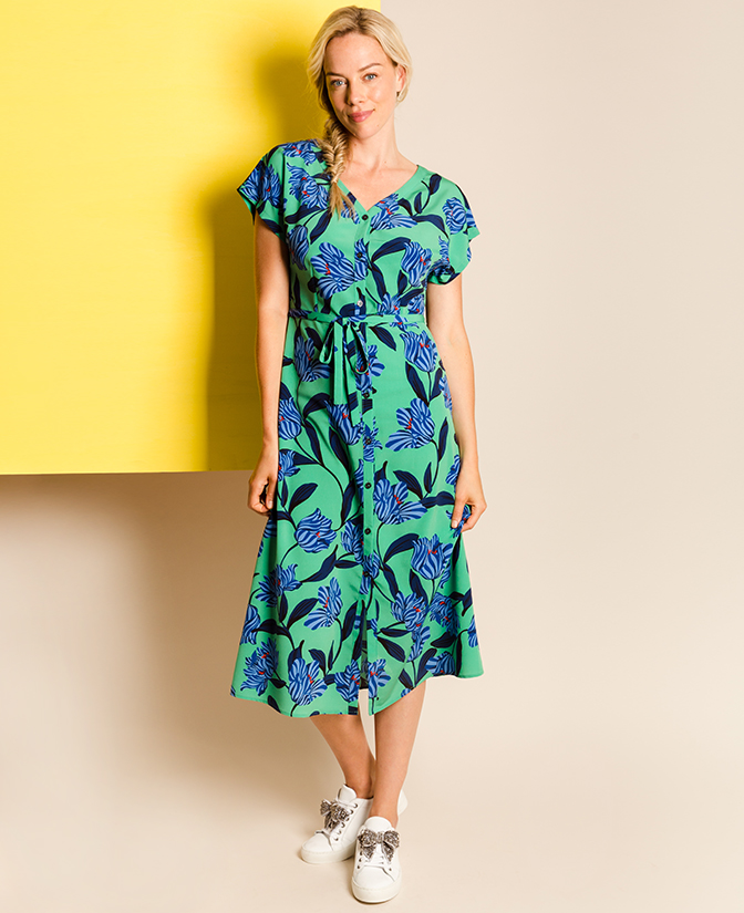 Kleurrijke jurk met bloemenprint