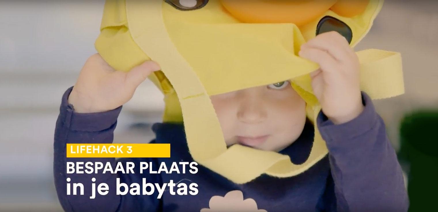 Bespaar meer plaats in de babytas. Rol je rompertjes op tot een klein pakketje.