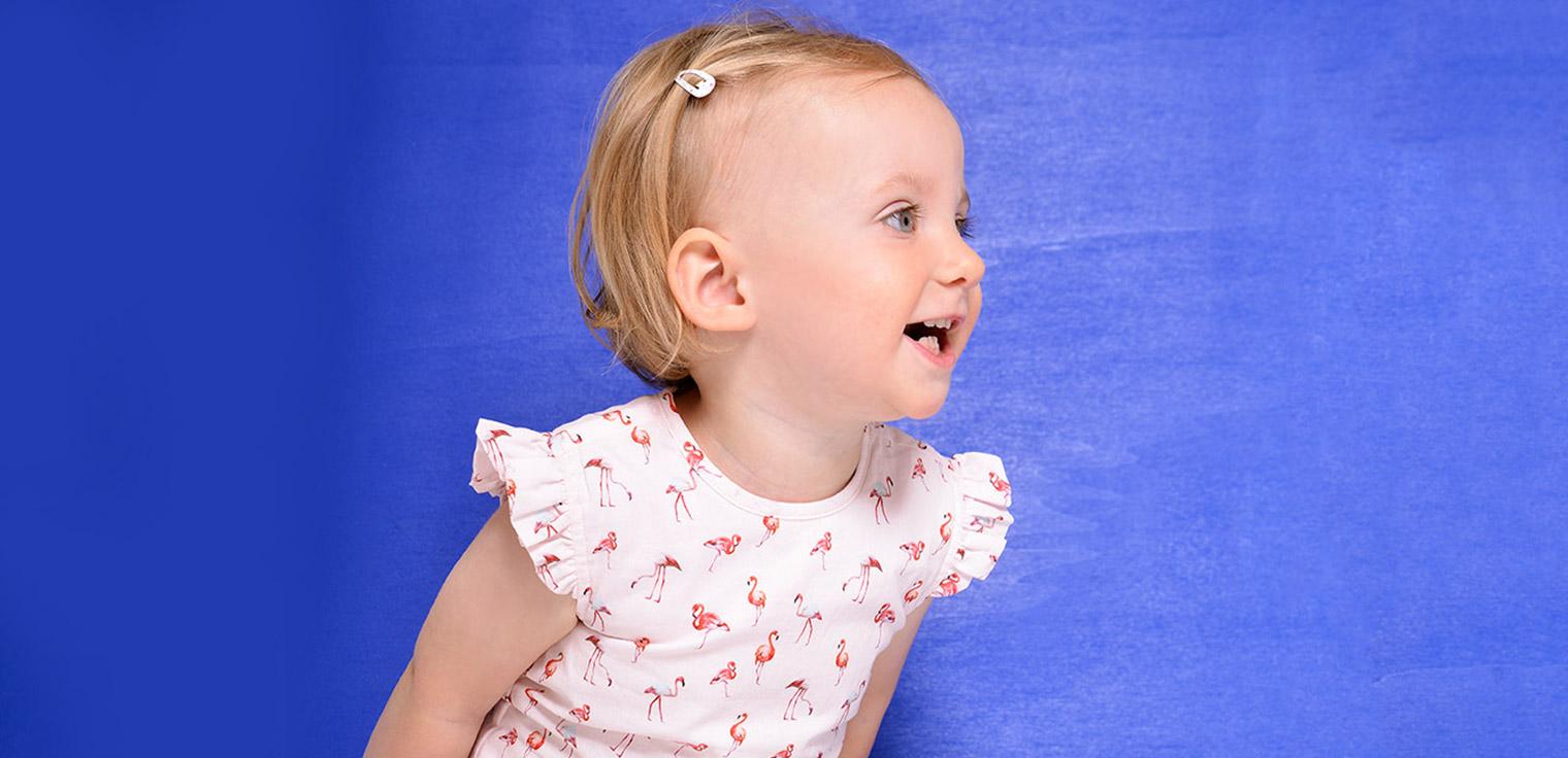 Rompers in verschillende kleuren en leuke prints voor babymeisjes en babyjongens.