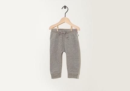 Pantalons: deux pour 14,95 euro