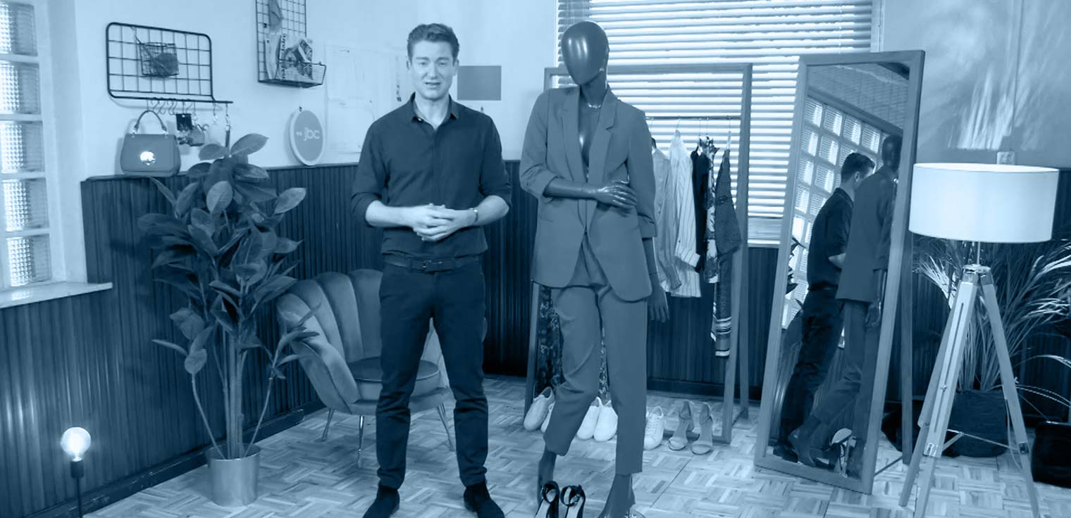 Jani Kazaltzis keert terug met nieuwe fashionista's die shoppen tot ze droppen. Episode 4