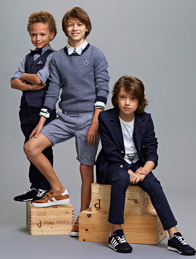 Communie collectie voor jongens: Communie collectie voor jongens: Donkerblauw-witte fijngebreide trui