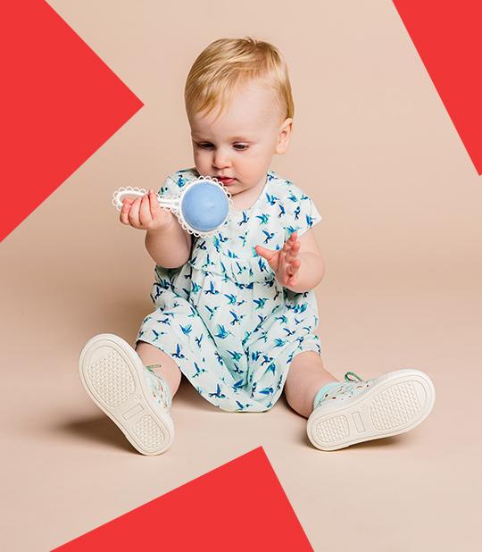 Nieuwe collectie jurkjes voor babymeisjes.