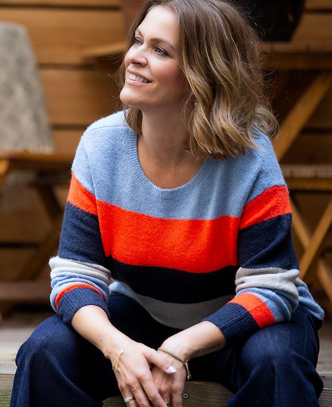 Een trui of vest in zachte wol, Karen weet hoe je je lekker ontspannen én mooi voelt.