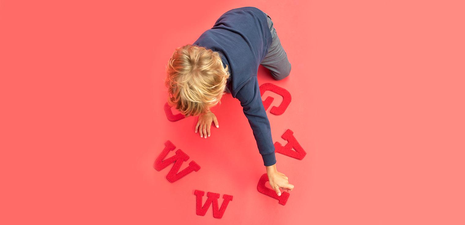 Découvrez ici comment repasser  la lettre sur votre sweat.