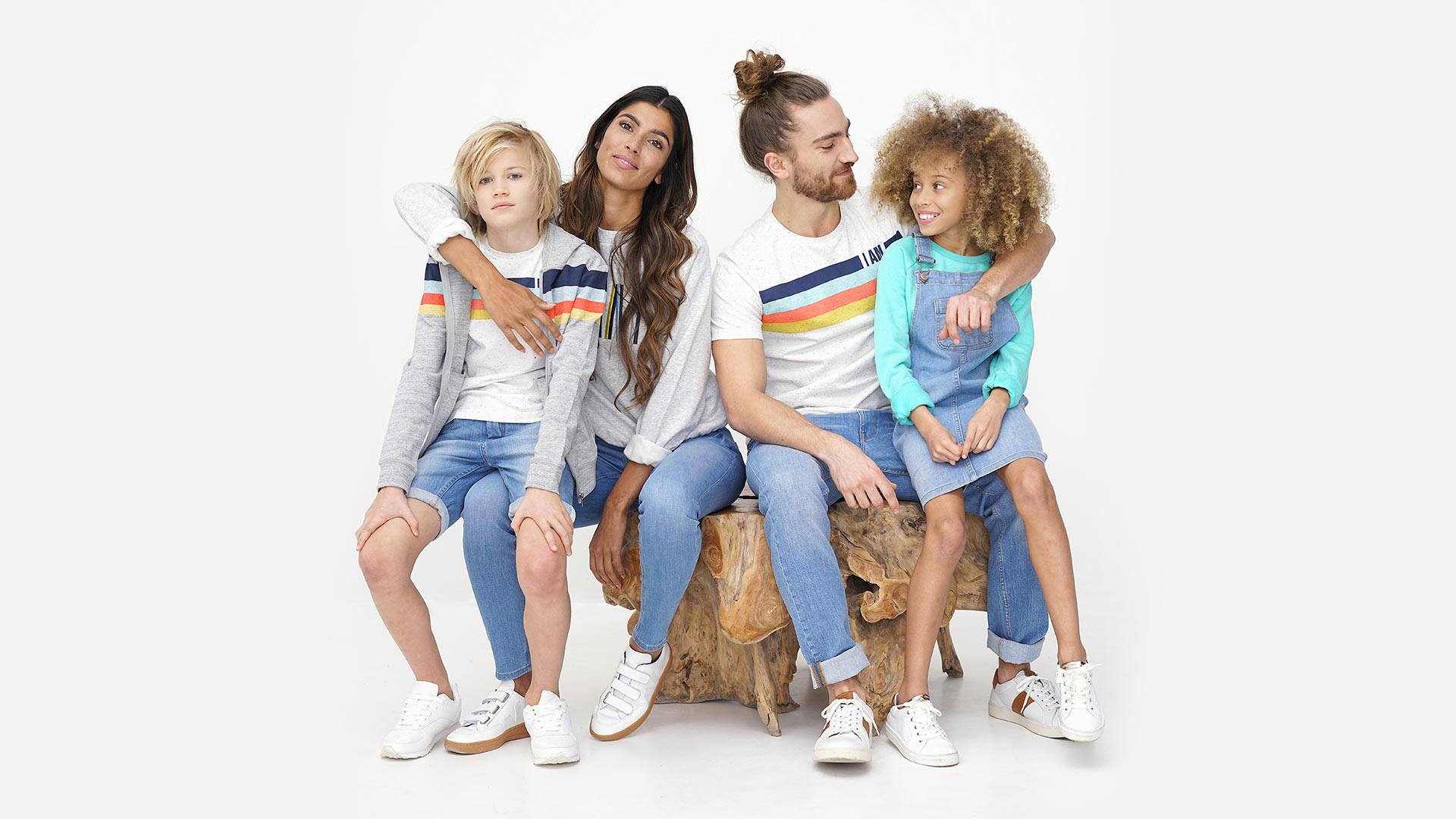 De I AM gerecycleerde jeansbroeken                               zorgen voor een kleinere afvalberg                               en minder impact op het milieu.