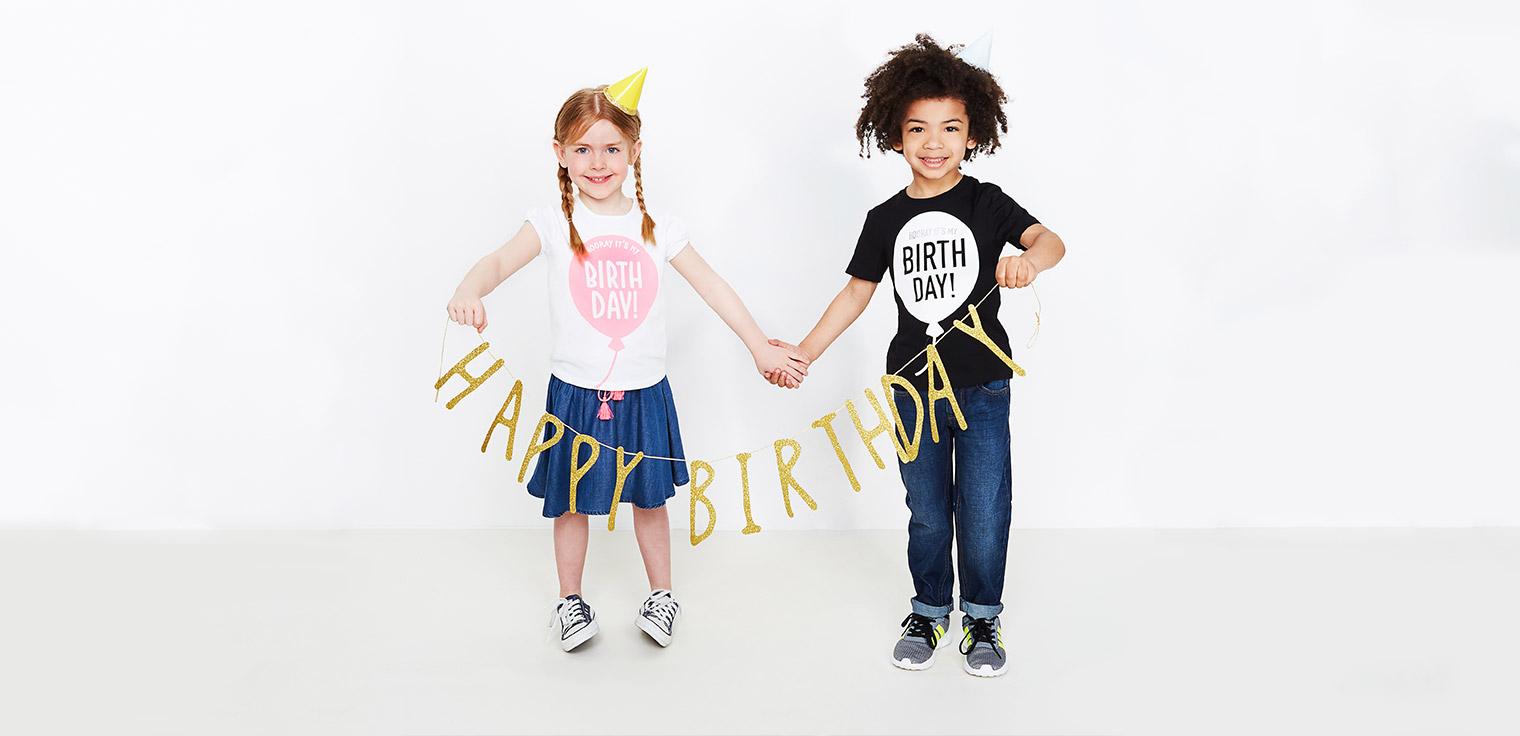Ontdek de leuke verjaardagst-shirts voor meisjes, jongens en baby's.