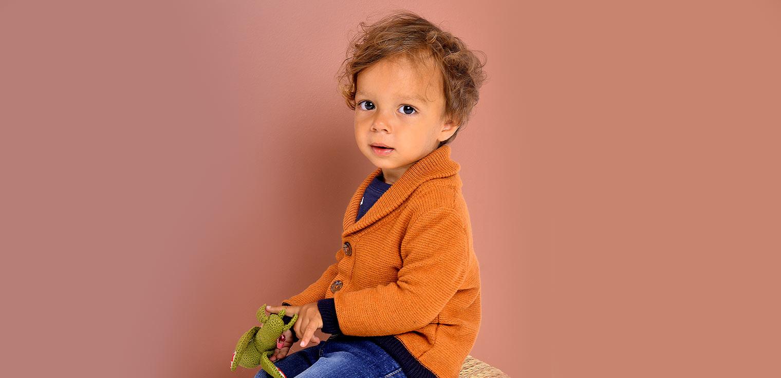 De mooiste babykleding voor jongens vind je online bij JBC! Rompertjes, kruippakjes, broekjes... Gratis verzending naar alle JBC-winkels. Gratis retour.
