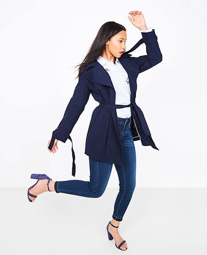 Le jeans skinny pour femmes: il serre bien au niveau des jambes et des hanches et, grâce au stretch, fait office de seconde peau.